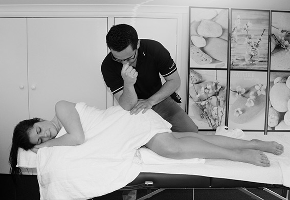 Bryan Allen performig remedial massage at Newstead Remedial Massage
